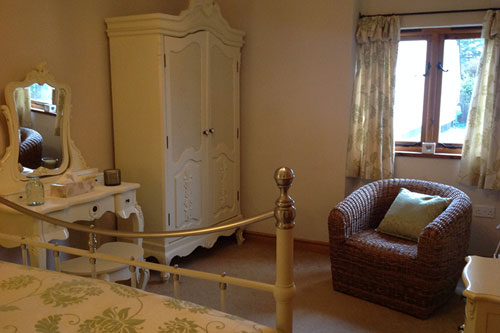 hwathorns catering cottage bedroom area